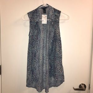 H&M Patterned Button-up Tank Top